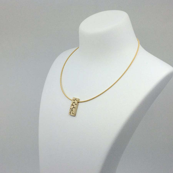 Textura golden necklace