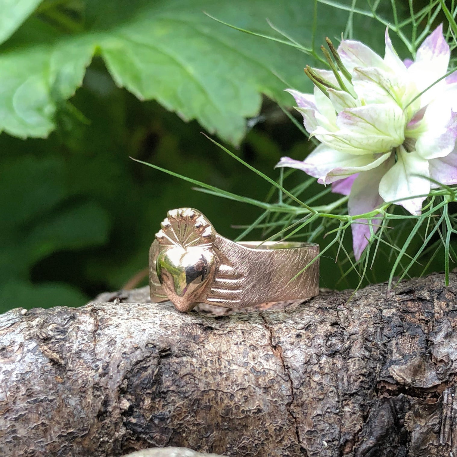 rose gold claddagh, rose gold ring, claddagh, rustice