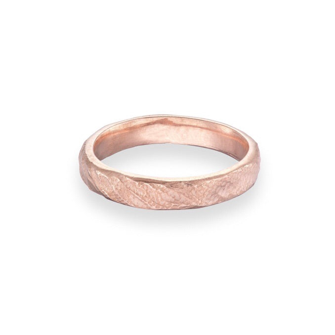 Rose Gold wedding ring | white gold wedding ring | gents wedding ring | irish jewellery | Irish goldsmith | rustic wedding ring | handmade wedding ring Ireland | handmade Jewellery Ireland | Yellow Gold Wedding ring | rose gold wedding ring