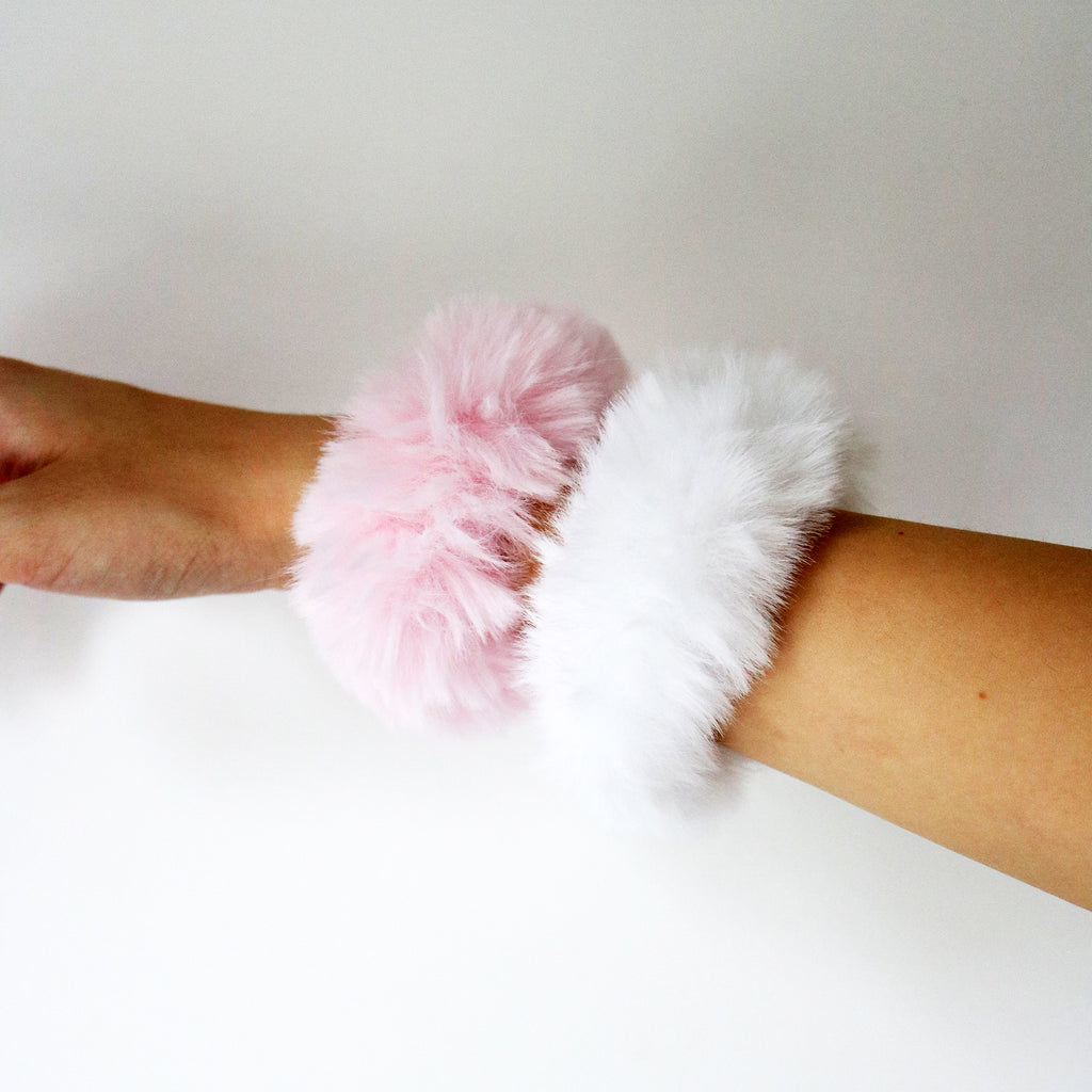 Furry Scrunchie in Blush