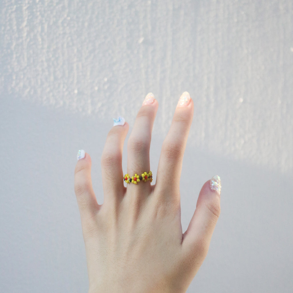 Garden Beaded Ring (Yellow/Red)