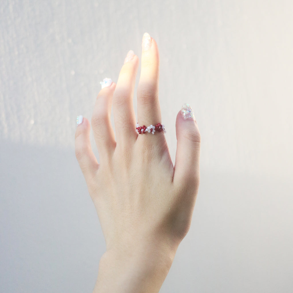 Garden Beaded Ring (Red/White)