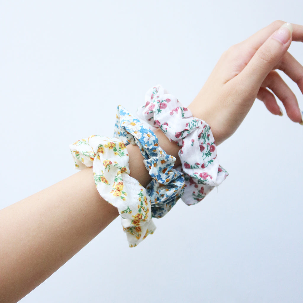 Floral Scrunchie in Sunflower
