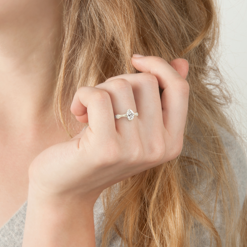 Oval Rosebud Ring