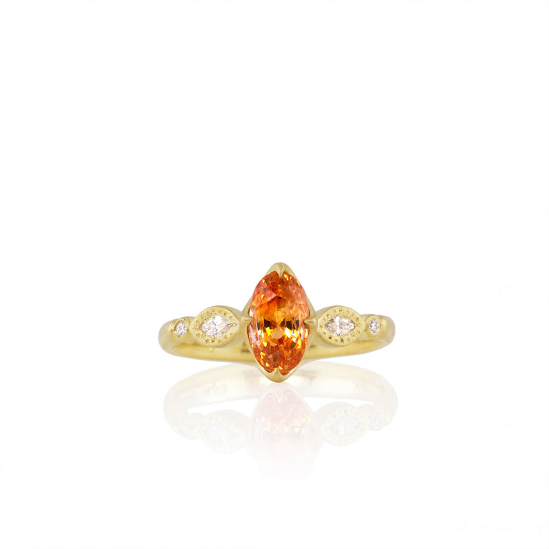 OVAL AND ROUND ROSEBUD RING