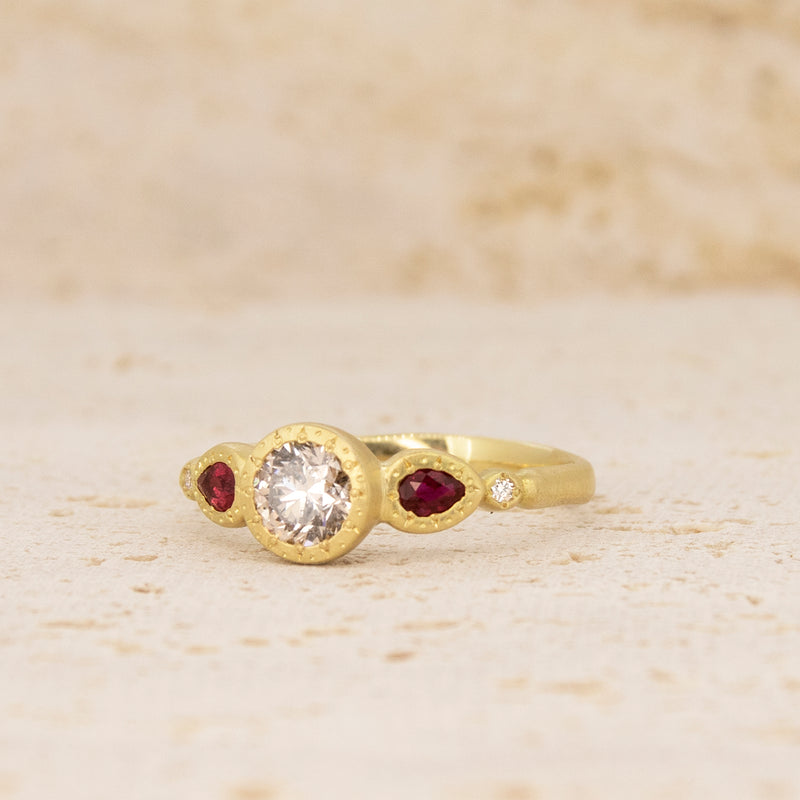 ETCHED BEZEL RING WITH PEAR RUBY SIDES
