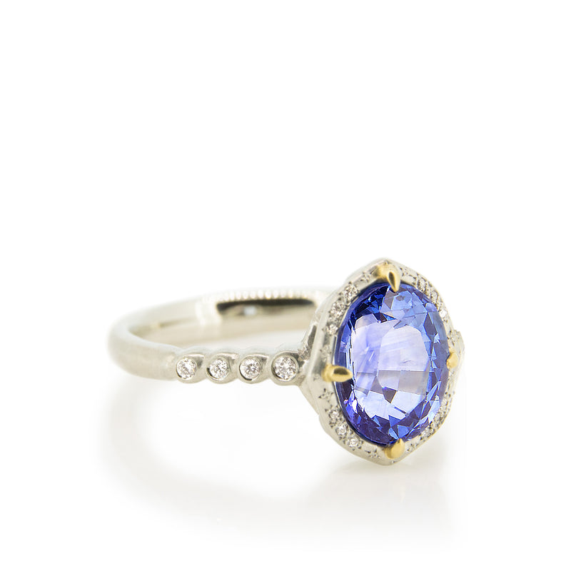 OVAL SAPPHIRE BASKET RING WITH PRONGS
