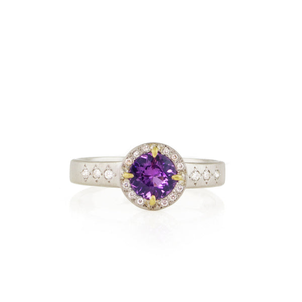 PLATINUM FLORET RING WITH YELLOW GOLD PRONGS
