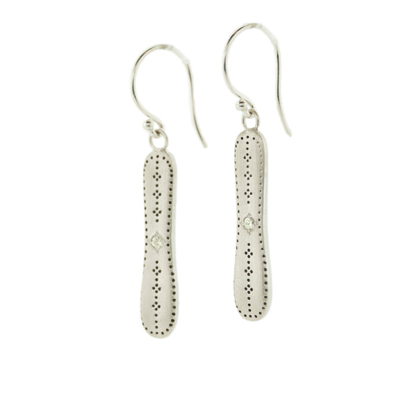LONG AFFINITY EARRINGS