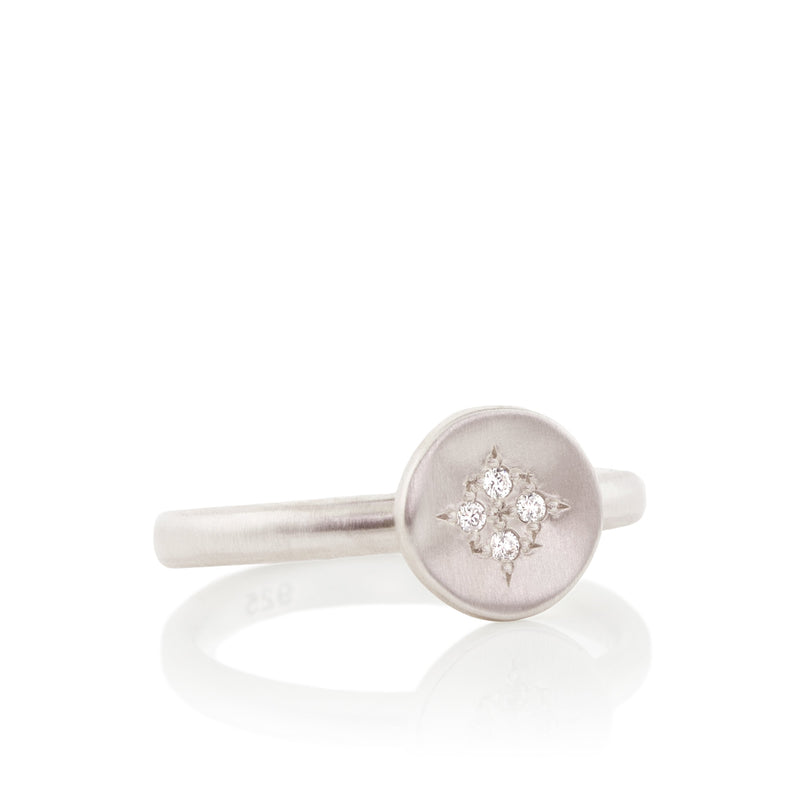 FOUR STAR WAVE CHARM RING