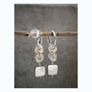 ENDLESS CIRCLE POWER OF THREE EARRINGS WITH MOTHER OF PEARL