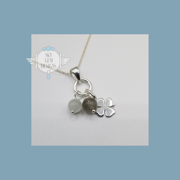 FOUR LEAF CLOVER CHARM NECKLACE WITH MOONSTONE & LABRADORITE