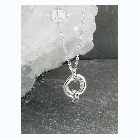ENDLESS CIRCLE NECKLACE