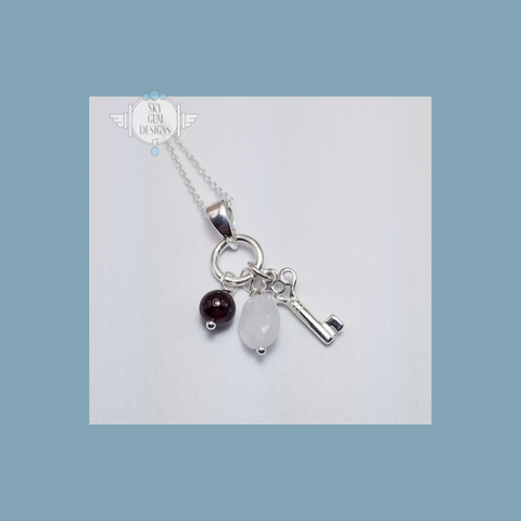 KEY CHARM NECKLACE WITH GARNET & MOONSTONE