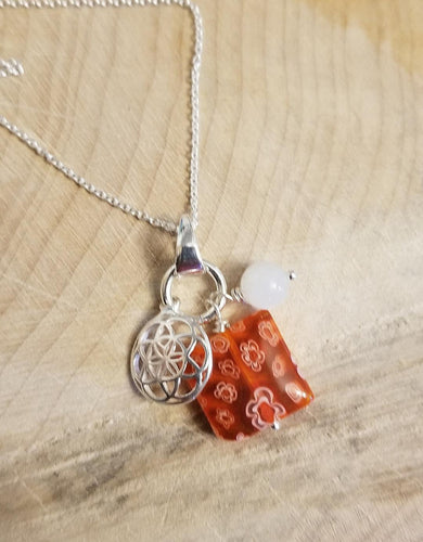 CHARMED NECKLACE WITH FLOWER OF LIFE CHARM, DUBLIN DELIGHT RED & WHITE