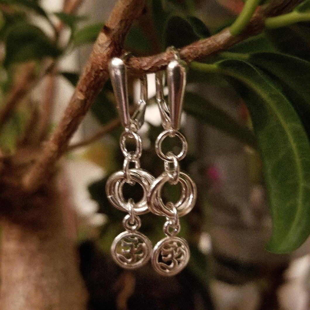 ENDLESS CIRCLE WITH OM CHARM EARRINGS