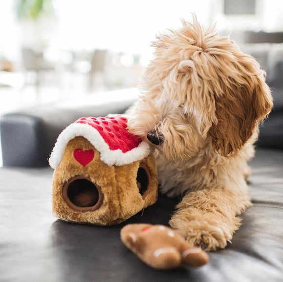 ZippyPaws Holiday Zippy Burrow - Gingerbread House Dog Toy
