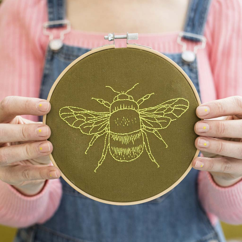 Bee Embroidery Hoop Kit