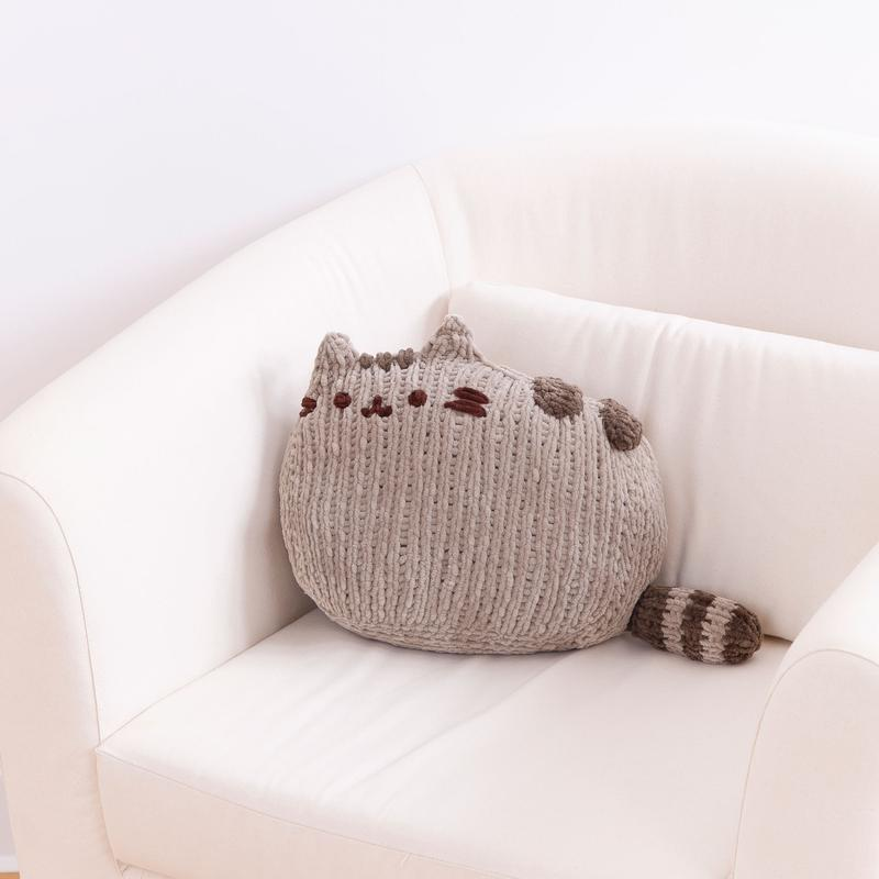 Pusheen Sitting Knitting Kit