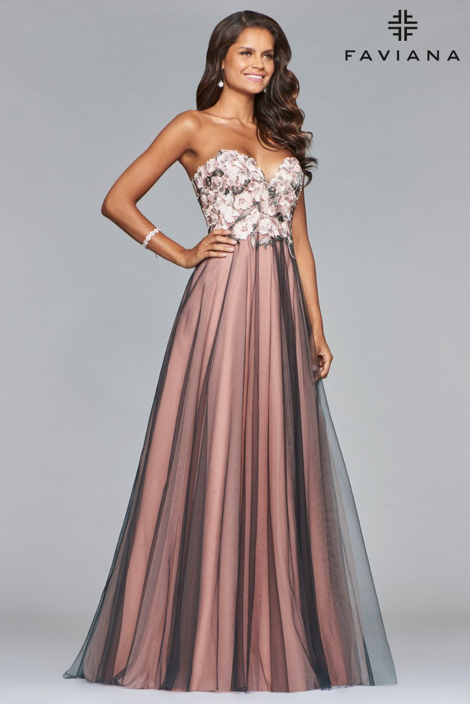 Faviana Size 6 Gray and Blush Floral Embroidered Gown