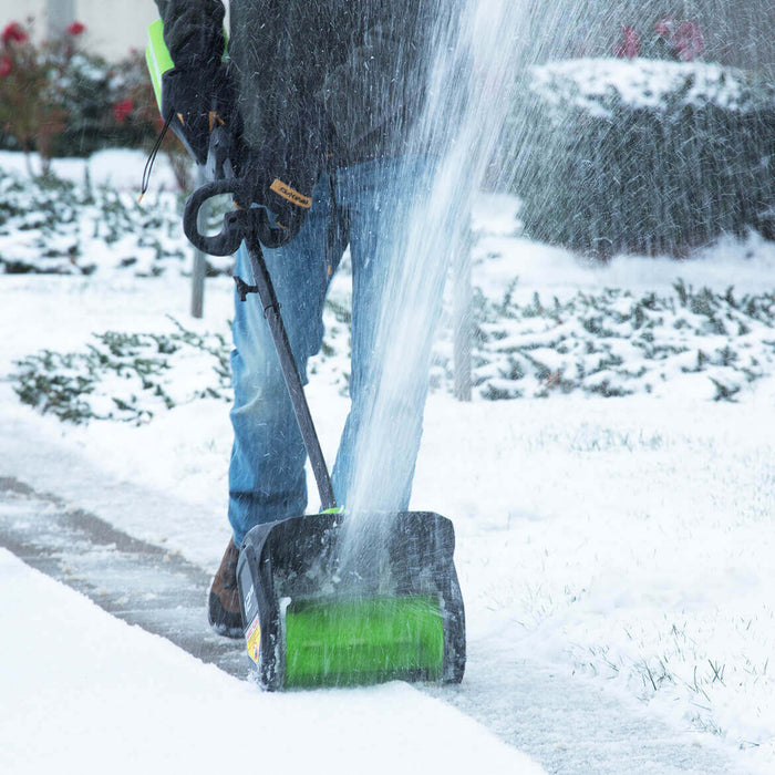 GreenWorks GLSS802100 80-Volt 12-Inch 2.0Ah Cordless Snow Shovel Kit - 2600602