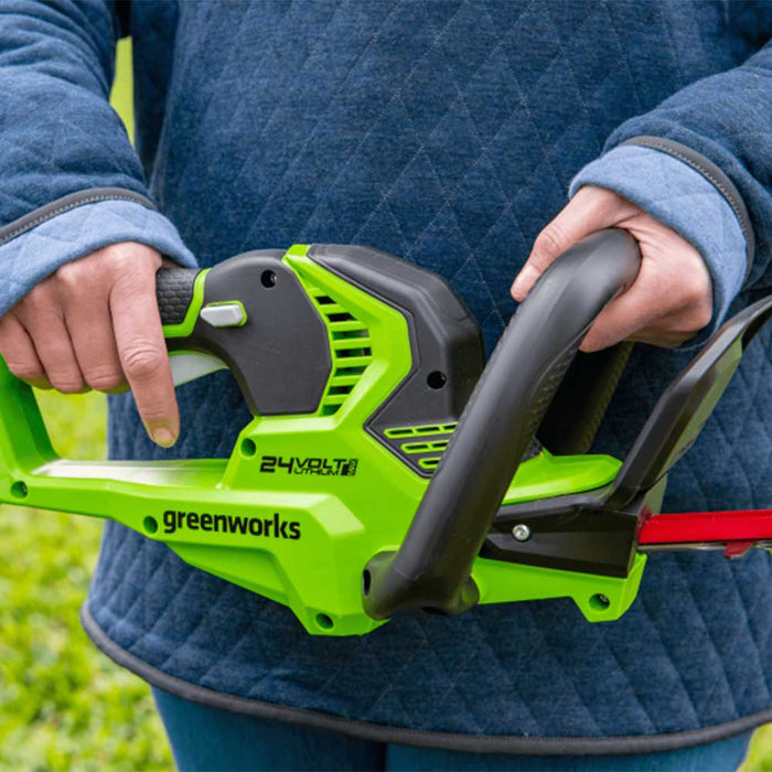 "GreenWorks Commercial 24H20 24V 22"" Cordless Lightweight Hedge Trimmer Kit"