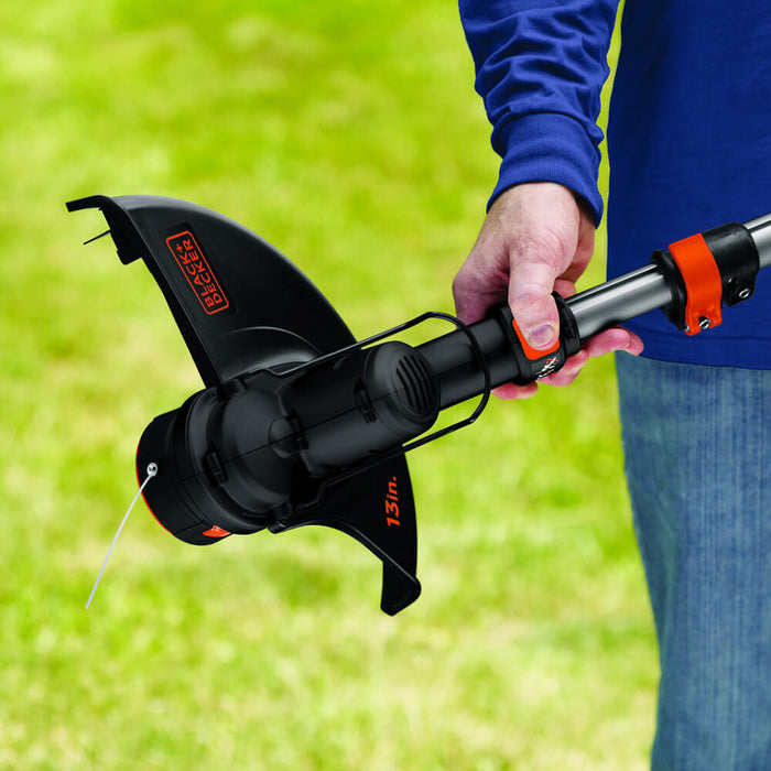 the head unit of the Black and Decker LST136R String Trimmer