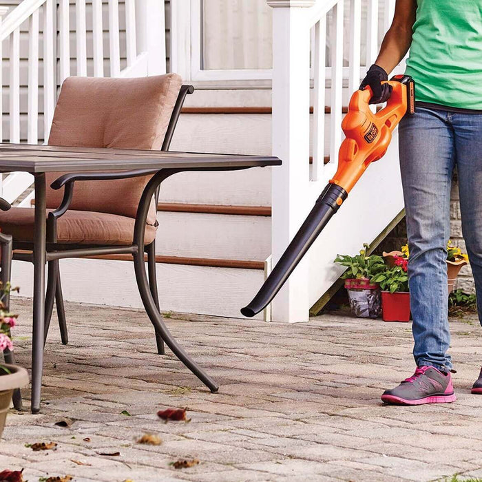 Black and Decker LSW221 20-Volt MAX 1.5Ah 130-Mph Lithium-Ion Surface Sweeper