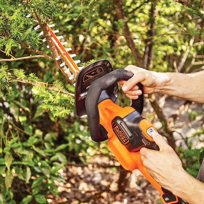 Black and Decker LHT341FF 40-Volt 24-Inch POWERCOMMAND Powercut Hedge Trimmer