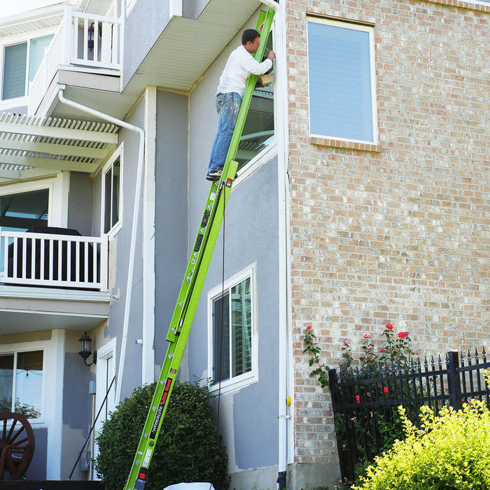 Little Giant 17232 32-Foot HyperLite SumoStance Fiberglass Extension Ladder