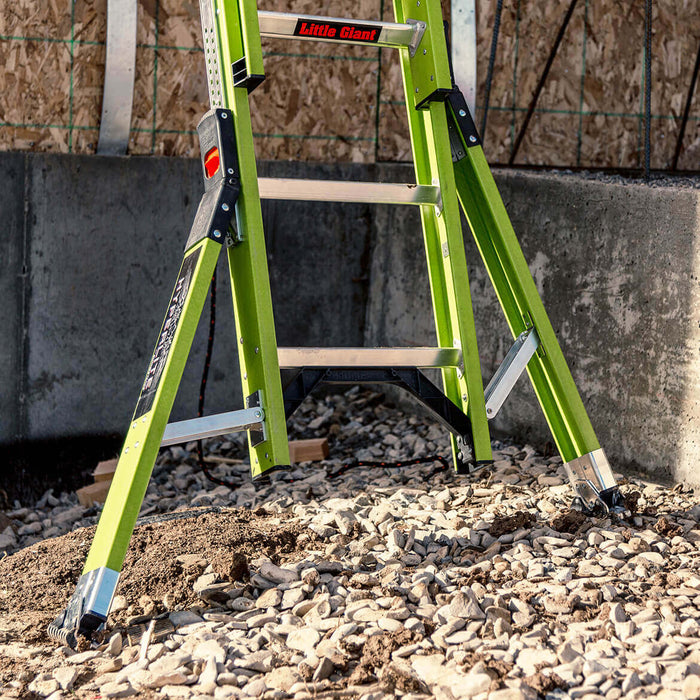 Little Giant 17632 32-Foot HyperLite Ladder w/ Cable Hook, V-rung and Claw