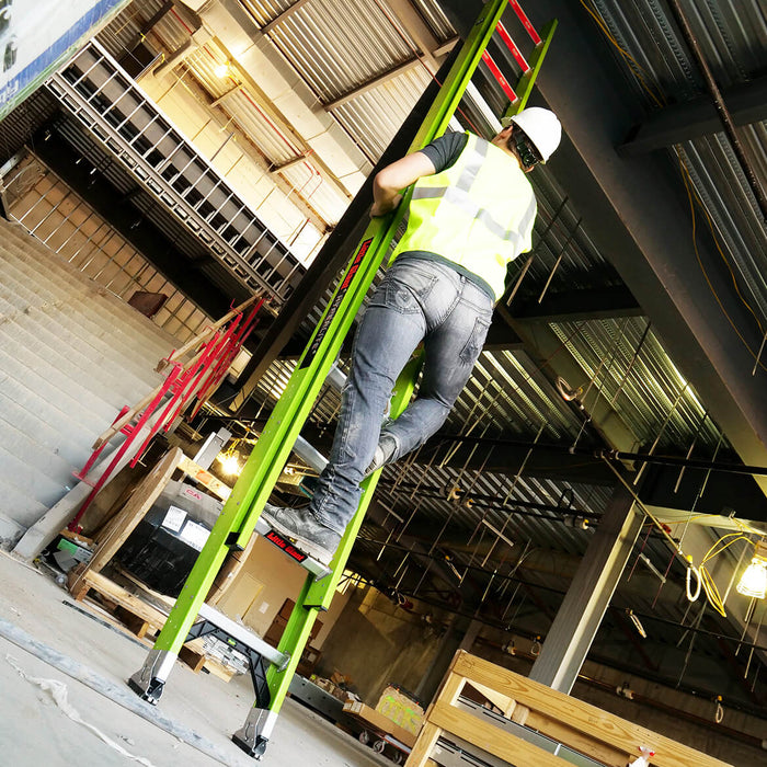 Little Giant 17928 28-Foot Type IAA HyperLite Fiberglass Extension Ladder