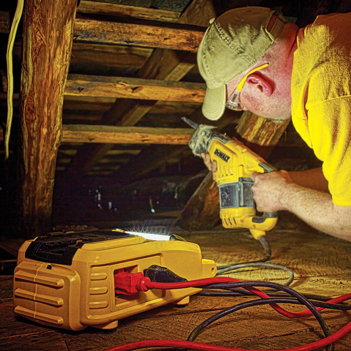 DeWALT DCL061 18V/20V MAX Cordless / Corded LED Worklight