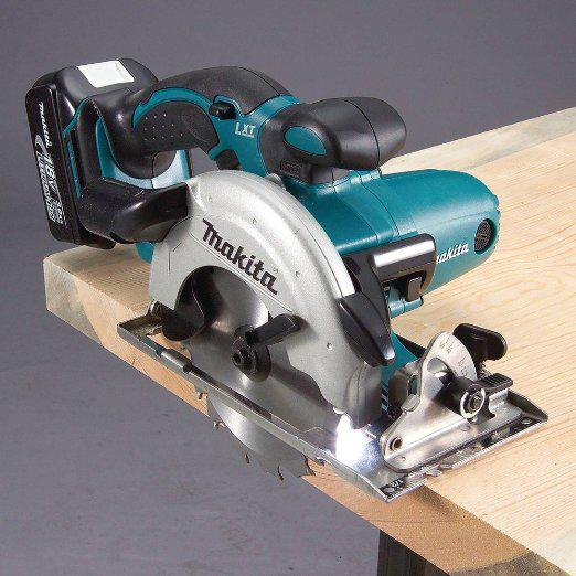 Makita XSS02Z 18-Volt 6-1/2-Inch Lithium-Ion Cordless Circular Saw, (Bare-Tool)