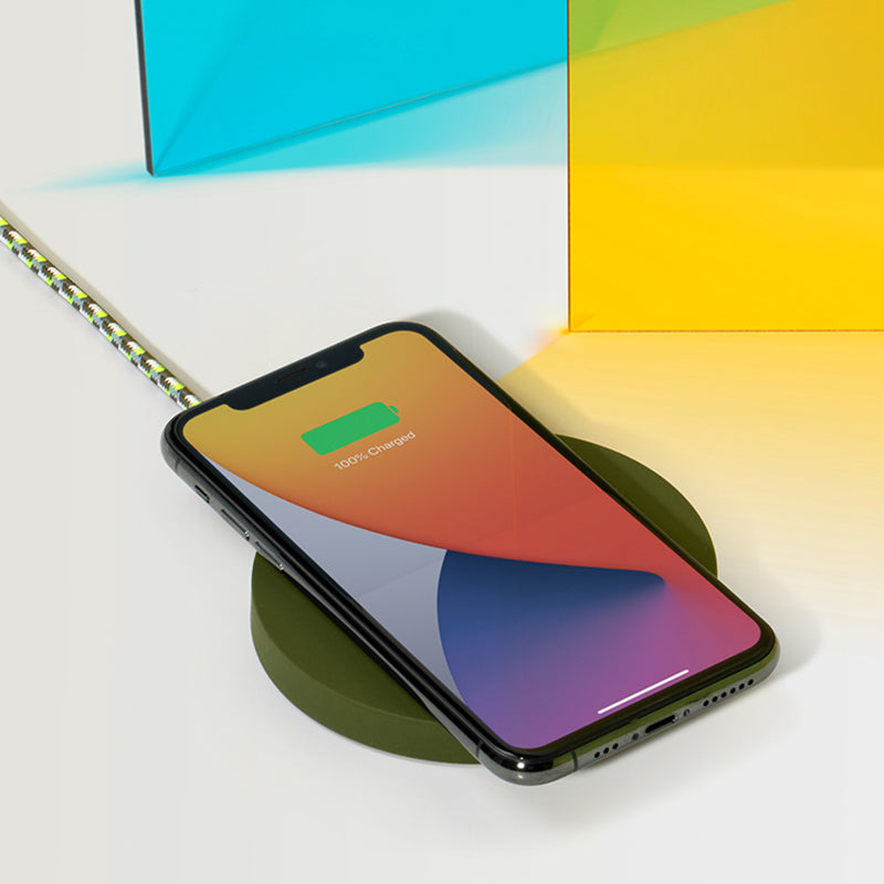34253177094283,Drop Wireless Charger (Maison Kitsuné Edition) - Green