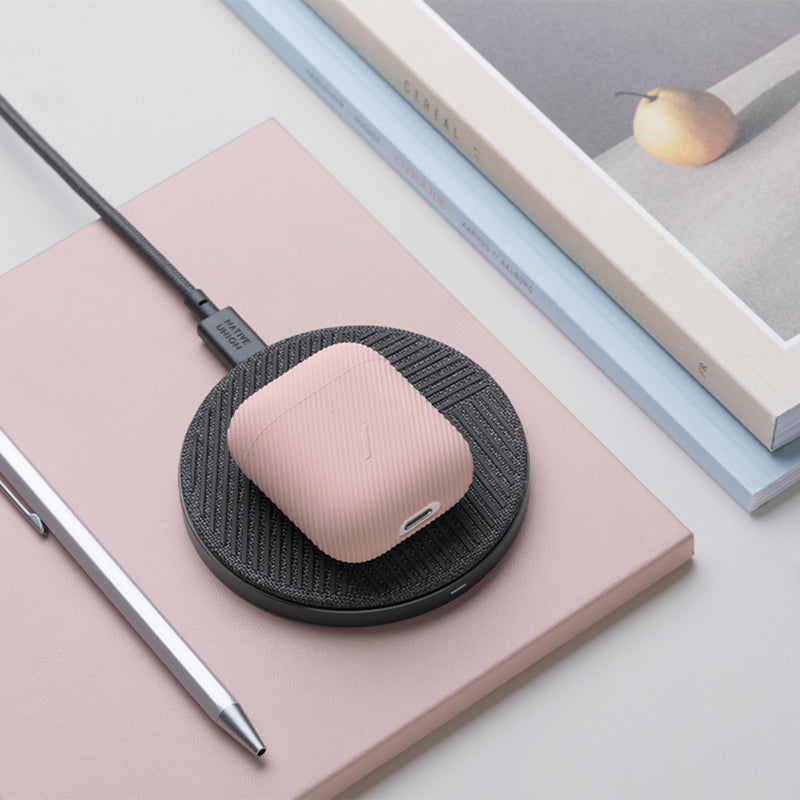 34253231784075,34253231816843,34253231849611,Curve Case for AirPods