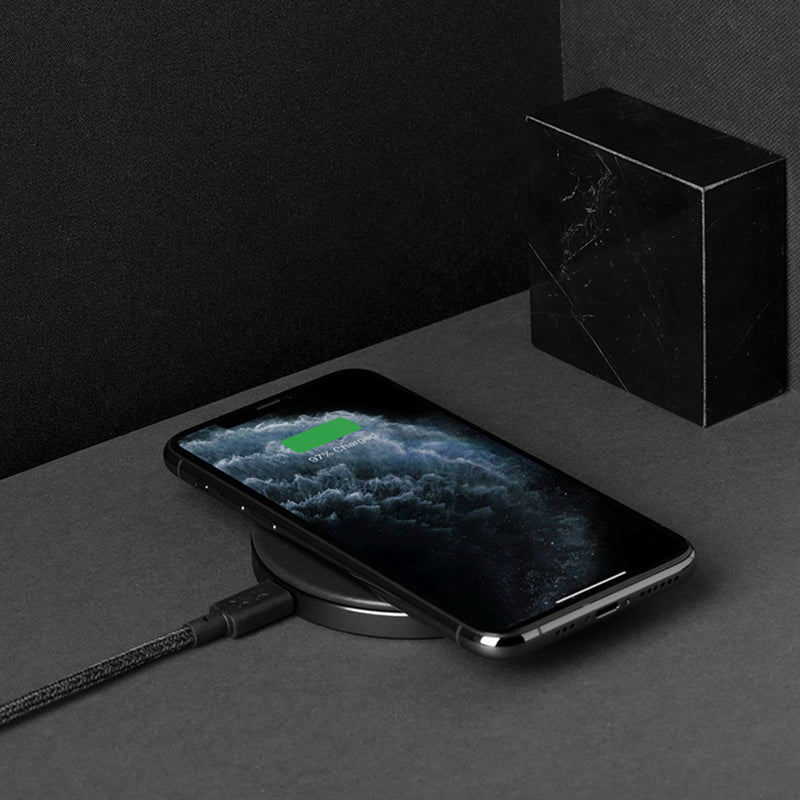 34253234241675,34253234274443,Drop Classic Leather Wireless Charger