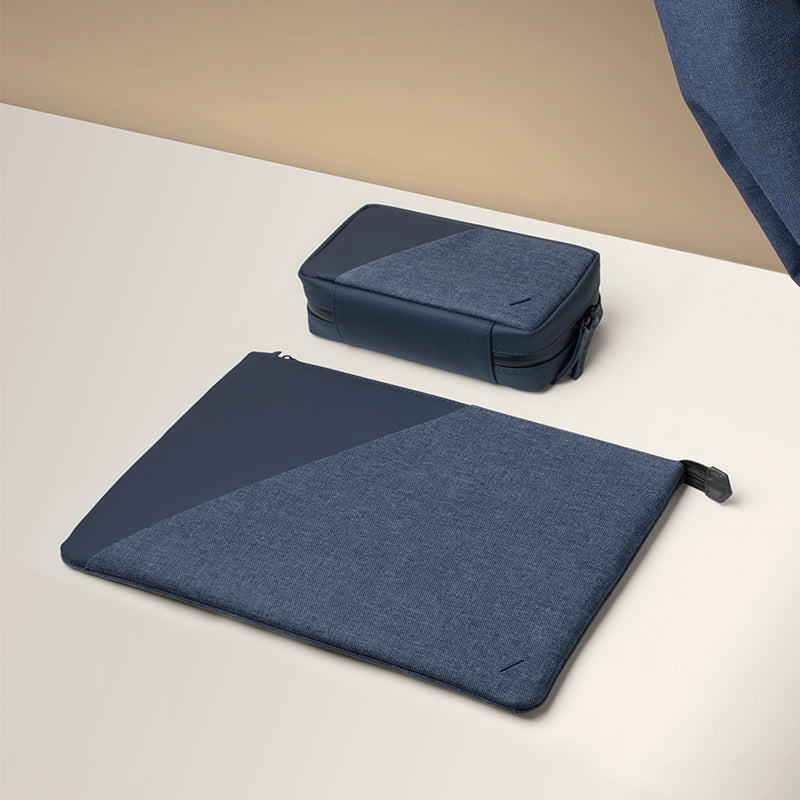 "34253251674251,34253251707019,Stow Sleeve for MacBook (15"")"