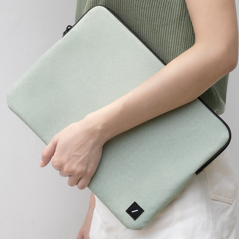 "34274784379019,34274784411787,34274784444555,Stow Lite Sleeve for MacBook (15"")"