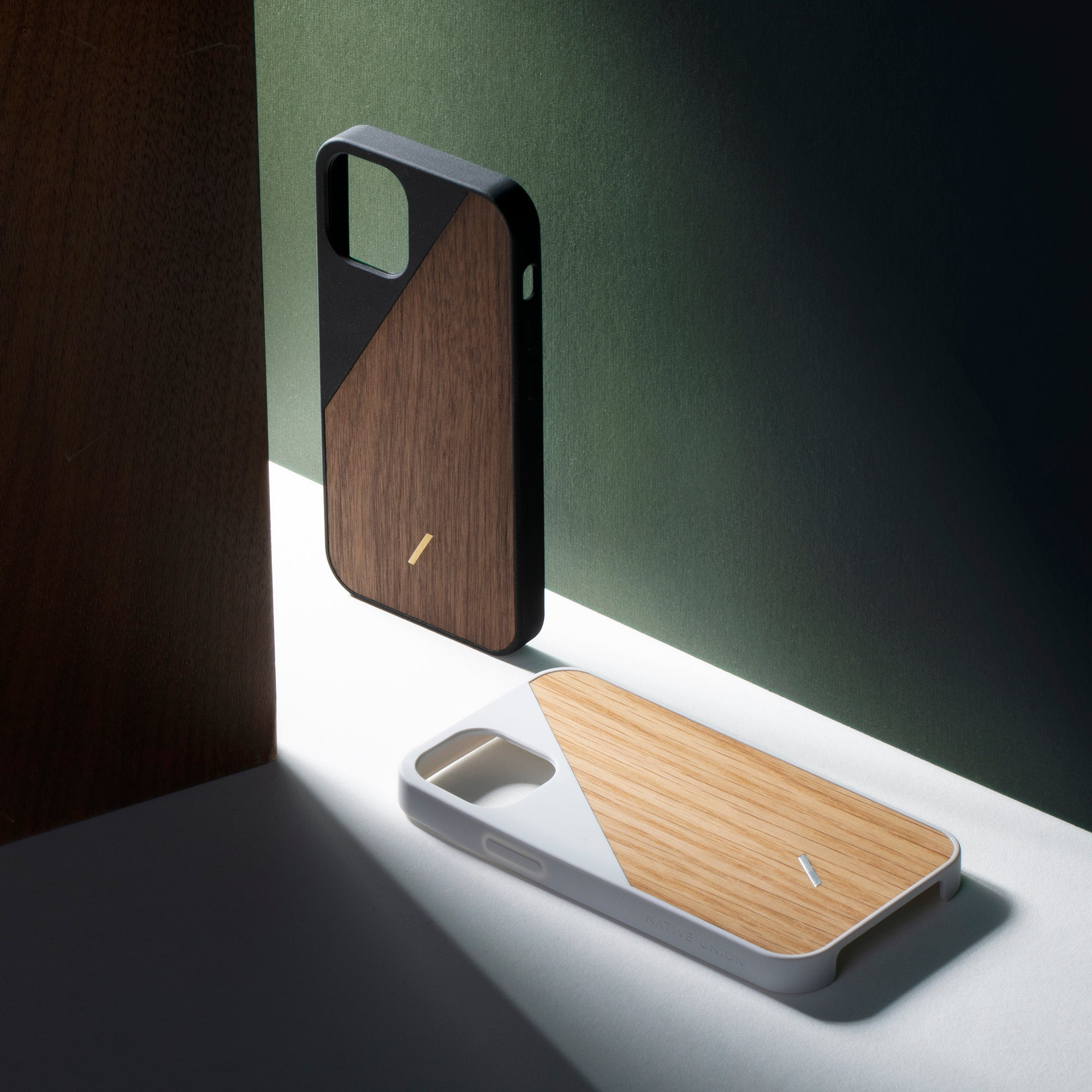 34316691046539,34316691079307,Clic Wooden (iPhone 12 Pro)