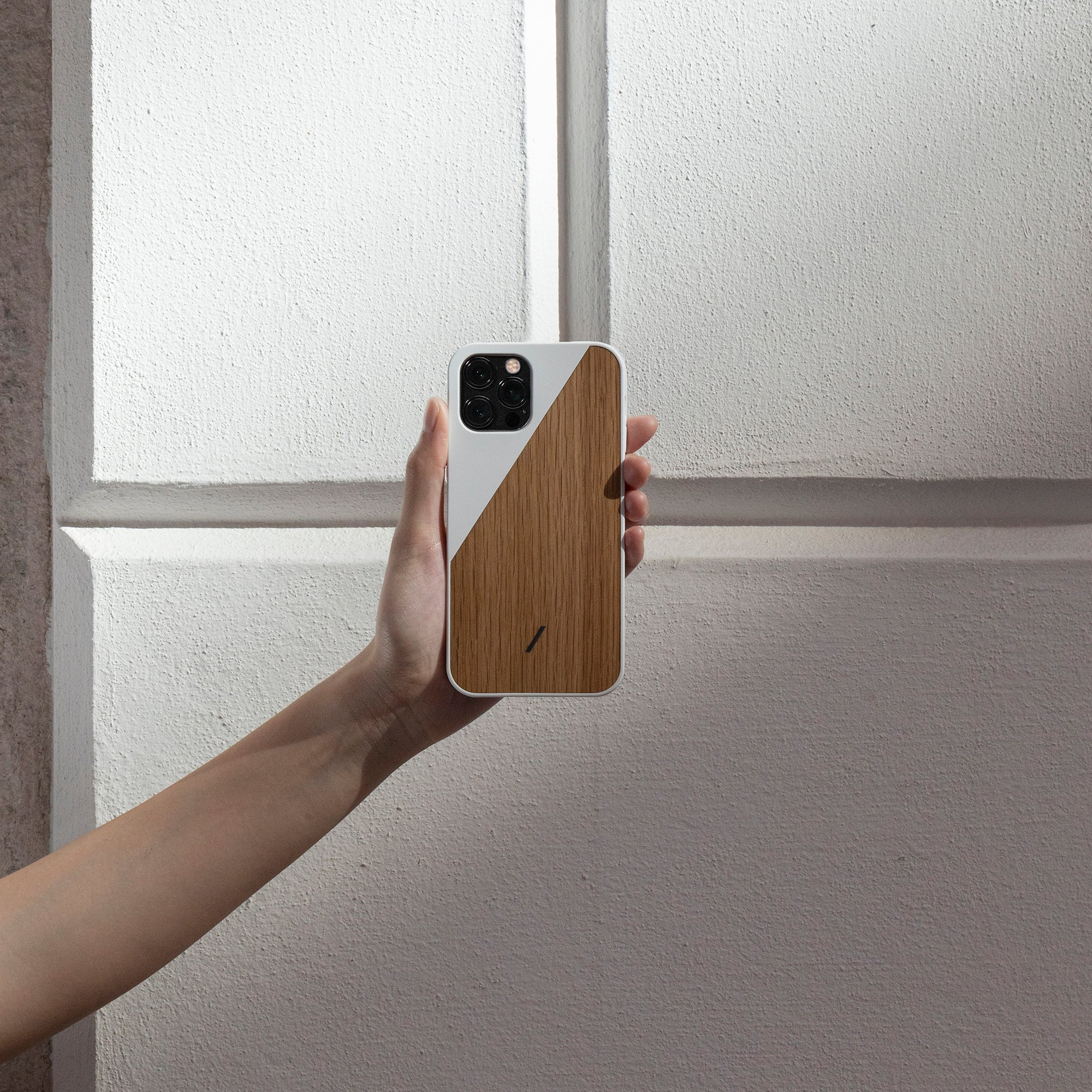 34316690522251,34316690555019,Clic Wooden (iPhone 12 Pro Max)