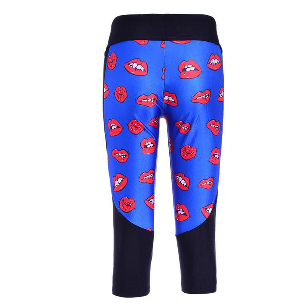READ MY LIPS ATHLETIC CAPRI - Lotus Leggings