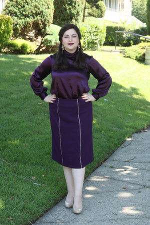 size 10 woman wears Pencil Skirt with Decorative Zippers