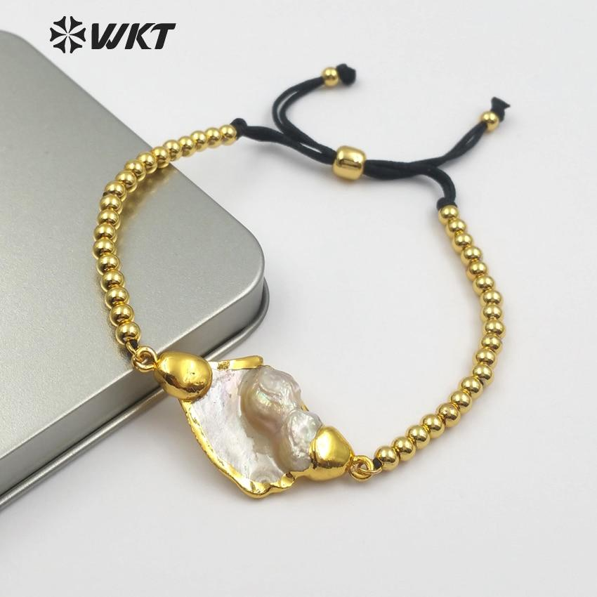 WT-B437 Classic Design Natural MOP Pearl In Gold Bezel Rope Chain With Circle Brass Beads Charm Women Adjustable Bracelet