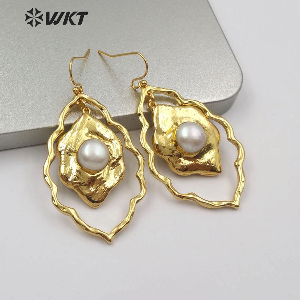 WT-E534 Women Earring Jewelry Natural Freshwater Pearl Earring Floral Shape Gold Electroplated Earring White Pearl Earring Jewel