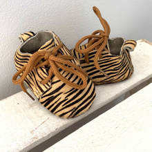 Load image into Gallery view, Shoes - Zebra beige