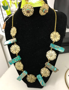 Turquoise and Flowers Necklace