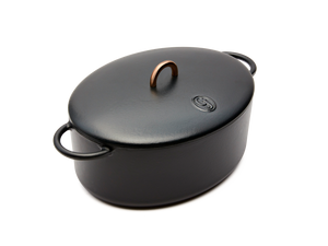 Enameled cast-iron Dutch oven in pepper black - main