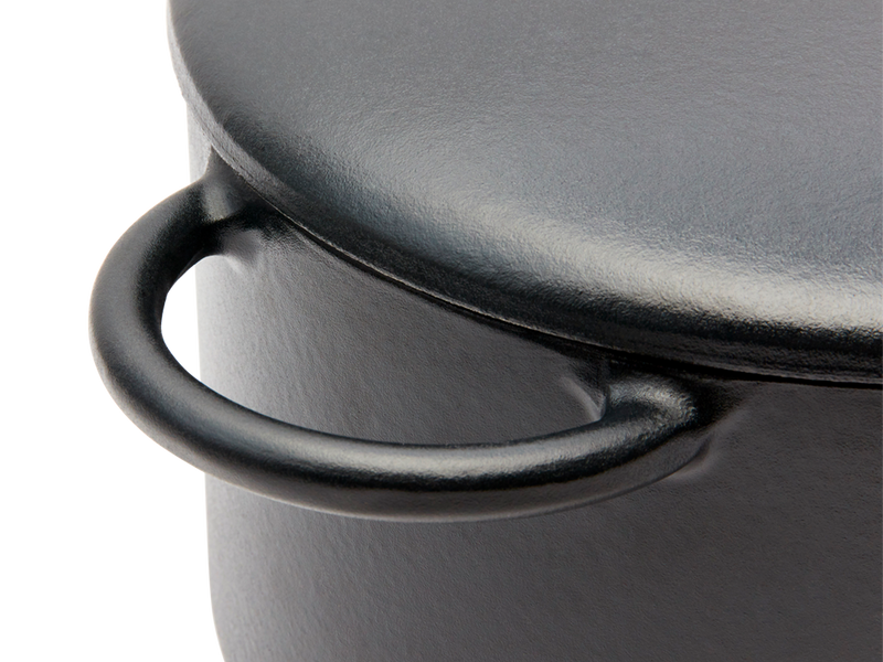 Enameled cast-iron Dutch oven in pepper black - handle close-up