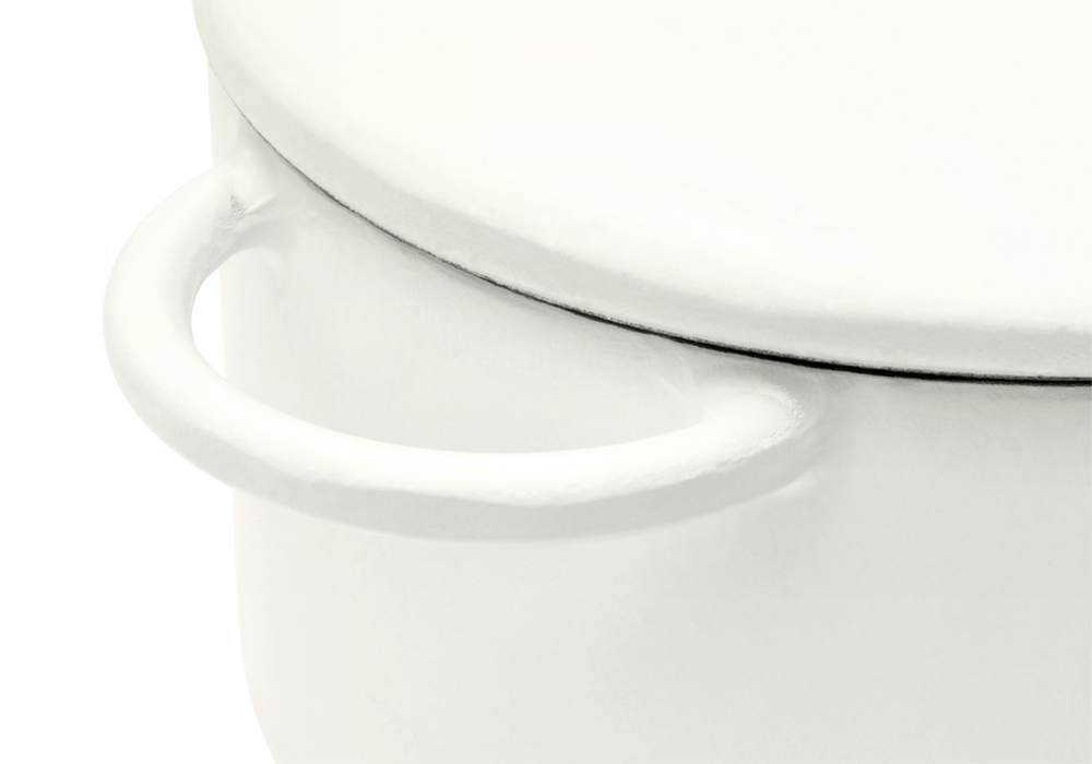 Enameled cast-iron Dutch oven in salt white - handle close-up